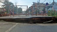 Gần 180 tỷ đồng xây mới cầu bị nứt sau mưa ở Sài Gòn