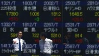 Chứng khoán châu Á tăng điểm phiên đầu tuần. Ảnh minh họa: Reuters