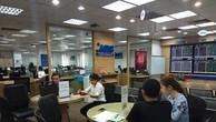 Giao dịch chứng khoán tại Công ty cổ phần Chứng khoán MB- MBS. Ảnh : Văn Giáp/ BNEWS/TTXVN