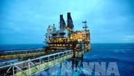 Giá dầu châu Á vẫn ở quanh mức cao phiên đầu tuần. Ảnh: AFP/TTXVN