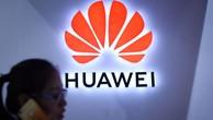 Việc bị đẩy ra khỏi hệ sinh thái Google có thể khiến thiết bị Huawei trở nên kém hấp dẫn đối với người tiêu dùng toàn cầu - Ảnh: CNN.