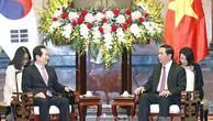 Chủ tịch nước Trần Đại Quang tiếp Chủ tịch Quốc hội Hàn Quốc Chung Sye-kyun. Ảnh: VOV