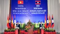 Thủ tướng Nguyễn Xuân Phúc và Thủ tướng Thongloun Sisoulith phát động Năm Đoàn kết hữu nghị Việt Nam-Lào, Lào-Việt Nam 2017. Ảnh: VGP