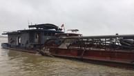 Hà Nội: Bắt giữ 5 tàu hút cát trái phép trên sông Hồng