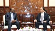 Chủ tịch nước Trần Đại Quang tiếp ông Sayed Altayed Ahmed, Đại sứ Cộng hòa Sudan tại Việt Nam tới chào từ biệt nhân dịp kết thúc nhiệm kỳ công tác. Ảnh: TTXVN