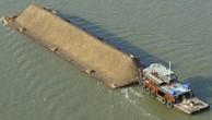 Bà Rịa-Vũng Tàu: Tạm giữ 5 xà lan vận chuyển cát nhiễm mặn không rõ nguồn gốc