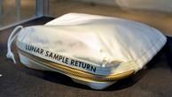 Túi bụi mặt trăng được đấu giá lên tới 4 triệu USD