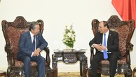 Thủ tướng Nguyễn Xuân Phúc tiếp Bộ trưởng Ngoại giao Malaysia Anifah Aman đang có chuyến thăm Việt Nam. Ảnh: VGP