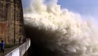 Đồng loạt mở cửa xả đáy thủy điện Sơn La, Tuyên Quang và Hòa Bình