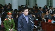 Bị cáo Hà Văn Thắm trước vành móng ngựa. Ảnh: TTXVN