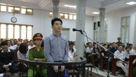 Bị cáo Hsu Minh Jung trước vành móng ngựa. Ảnh: TTXVN