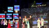 Phó Thủ tướng trao giải cuộc thi Tiếng hát ASEAN + 3