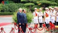 Thủ tướng Nguyễn Xuân Phúc chủ trì lễ đón trọng thể Thủ tướng Thổ Nhĩ Kỳ.