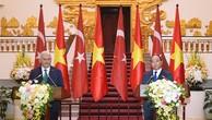 Thủ tướng Nguyễn Xuân Phúc và Thủ tướng Thổ Nhĩ Kỳ Binali Yildirim gặp gỡ báo chí - Ảnh: VGP