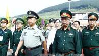 Thượng tướng Nguyễn Chí Vịnh đón Đoàn đại biểu Trung Quốc do Thượng tướng Phạm Trường Long dẫn đầu sang dự Giao lưu hữu nghị quốc phòng biên giới Việt Nam - Trung Quốc lần thứ 4.Ảnh: TTXVN