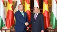 Thủ tướng Nguyễn Xuân Phúc và Thủ tướng Hungary Orbán Viktor - Ảnh: VGP