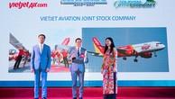 """Vietjet đoạt giải """"Hãng hàng không tiên phong"""" tại The Guide Awards 2017"""
