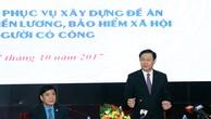 Theo Phó Thủ tướng Vương Đình Huệ, cải cách tiền lương không chỉ là điều chỉnh tiền lương cơ bản, tiền lương tối thiểu mà còn rất nhiều vấn đề khác liên quan. Ảnh: VGP