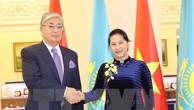 Chủ tịch Quốc hội Nguyễn Thị Kim Ngân hội kiến với Chủ tịch Thượng viện Cộng hòa Kazakhstan Kassym Zhomart Tokayev. Ảnh: TTXVN