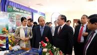 Thủ tướng Nguyễn Xuân Phúc, nguyên Tổng Bí thư Nông Đức Mạnh dự Hội nghị. - Ảnh: VGP