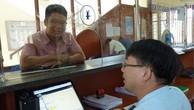 Cán bộ Cục Hải quan Hà Nội hướng dẫn DN hoàn thiện thủ tục nhập khẩu.