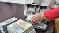 Ngân hàng tăng lãi suất tiền gửi thêm 0,2-0,6% mỗi năm. Ảnh: PV.