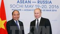 Thủ tướng Nguyễn Xuân Phúc hội kiến Tổng thống Nga V.Putin