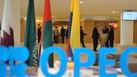 Giá dầu tăng vọt vì OPEC đồng ý giảm sản xuất