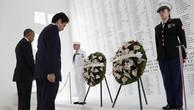 """Thủ tướng Nhật Abe """"ghi điểm"""" sau chuyến thăm Trân Châu Cảng"""