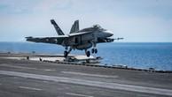 F-18 rơi khi cố hạ cánh xuống tàu sân bay Mỹ Carl Vinson