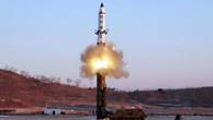 Một vụ phóng tên lửa đạn đạo tầm trung của Triều Tiên. Ảnh:KCNA