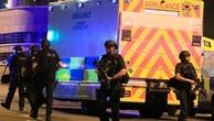 Cảnh sát Anh tại hiện trường vụ nổ. Ảnh:BBC