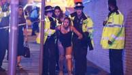 Cảnh sát phong toả khu vực sau vụ khủng bố nhà thi đấu Anh