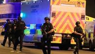 Anh siết chặt an ninh sau vụ tấn công khủng bố nhà thi đấu Manchester tối 22/5. (Ảnh: Reuters)