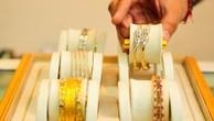 Giá vàng xoay quanh đỉnh một tháng