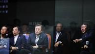 Tổng thống Hàn Quốc Moon Jae-in thị sát vụ thử tên lửa Hyunmoo ngày 23/6 (Ảnh: Yonhap)