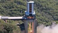 Một cuộc thử nghiệm động cơ tên lửa tại Sohae của Triều Tiên. Ảnh:KCNA/Reuters.