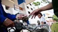 Giữ nguyên đề xuất tăng thuế môi trường xăng lên tối đa 8.000 đồng/lít
