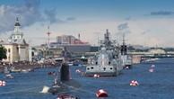 Dàn tàu chiến hạng nặng Nga tập duyệt binh trên sông
