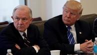 Ông Jeff Sessions và Donald Trump tại Tháp Trump, New York hôm 7/10/2016. Ảnh:Reuters.