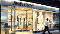 Jimmy Choo hiện có khoảng 150 cửa hàng trênkhắp thế giới.