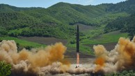 Triều Tiên đang phát triển tên lửa hạt nhân xuyên lục địa để tấn công Mỹ. Ảnh:Reuters.