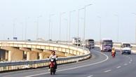 Cầu Vĩnh Tuy giai đoạn 2 có thiết kế hình dáng giống như cầu Vĩnh Tuy đã xây dựng trong giai đoạn 1, với tổng mức đầu tư khoảng 2.561 tỷ đồng. Ảnh: Nhã Chi