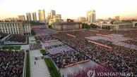 Người Triều Tiên đổ về Bình Nhưỡng biểu tình phản đối Mỹ. Ảnh:Yonhap.