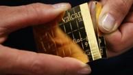 Giá vàng giảm trước áp lực đồng USD mạnh