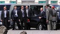 Đội cận vệ theo sát ông Putin khi công du nước ngoài