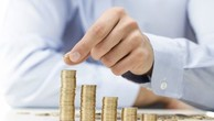 HFIC giảm mạnh lương, thưởng
