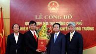Lãnh đạo Bộ Tài nguyên và Môi trường chúc mừng tân Thứ trưởng Trần Quý Kiên. Ảnh TNMT