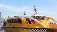 Tuyến buýt sông số 1 được khai trương sáng nay tại Bến Bạch Đằng (quận 1). Ảnh:Hữu Công