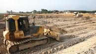 Công ty Thịnh An phải nộp bảo lãnh 1 tỷ đồng để thực hiện Gói thầu Thi công san lấp mặt bằng Dự án Khu liên hợp Lọc hóa dầu Nghi Sơn (Thanh Hóa). Ảnh: Lê Tiên